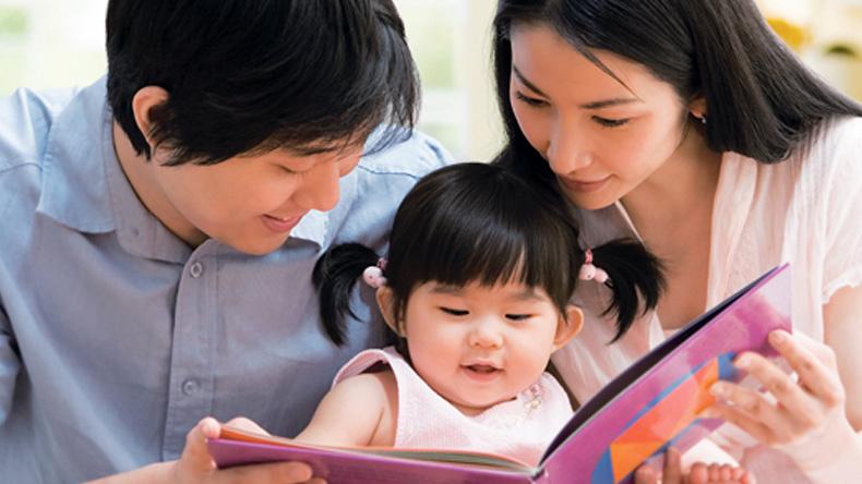 """พ่อแม่ตัวช่วยสำคัญ สร้างลูกมี """"IQ - EQ"""" ที่ดี"""