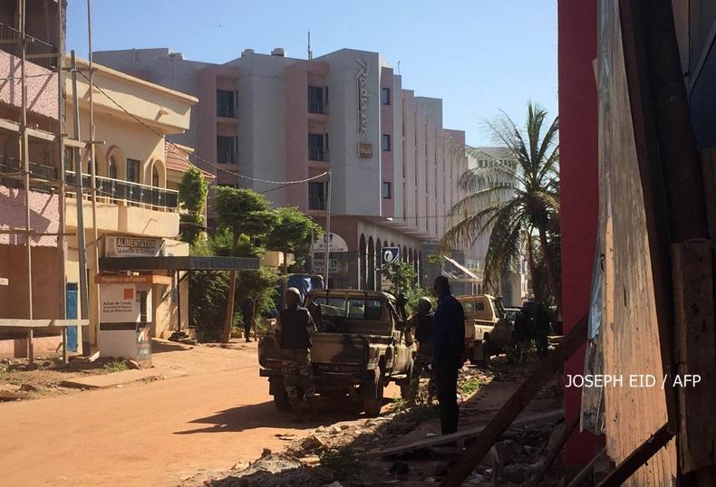 มือปืน 10 คนบุกยิงโรงแรมหรูในมาลี ล่าสุดเสียชีวิตไม่น้อยกว่า 9 ราย