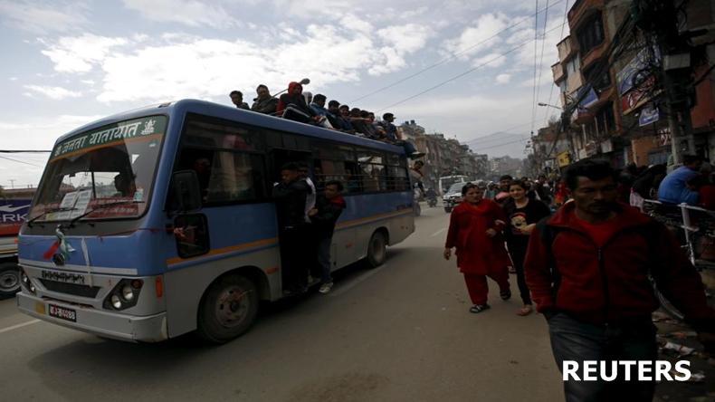 รถบัสเนปาลบรรทุกคนเกินขนาดพลัดตกเขา เสียชีวิต 30 เจ็บ 35 ราย