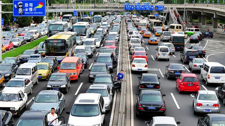 จีนวางมาตราการจำกัดปริมาณรถยนต์หวังลดมลพิษ