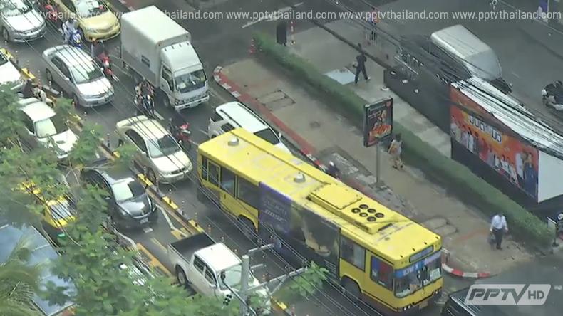 กรุงเทพฯน้ำท่วมขังหลายพื้นที่จากเหตุฝนตกหนัก