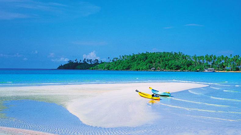 """""""เกาะกูด"""" คึกคัก นักท่องเที่ยวแห่เที่ยวคลายร้อน"""