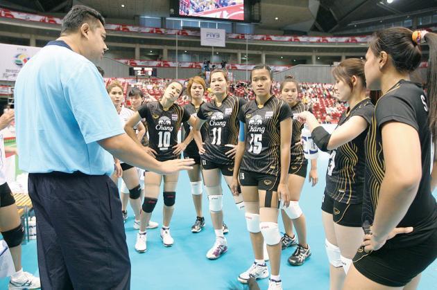 4 สุดยอดโค้ชไทยขวัญใจประชาชน ฮีโร่เบื้องหลังความสำเร็จ