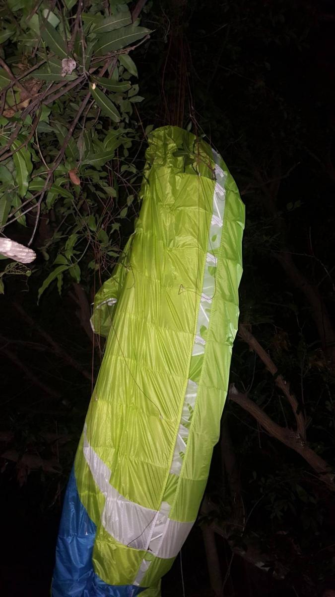 จนท.พบผู้บาดเจ็บเหตุพารามอเตอร์ตกกลางป่าชลบุรีหลังค้นหา 3 ชม.