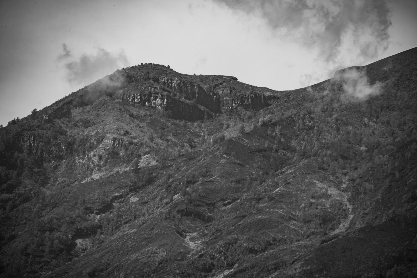 ภาคการท่องเที่ยวอินโดฯ งัดแผนรับมือภูเขาไฟอากุงปะทุ