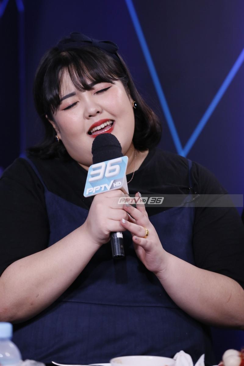 """""""ยางซูบิน"""" เน็ตไอดอลสายกินโชว์ลูกคอร้องเพลง สะกดใจแฟนคลับ"""