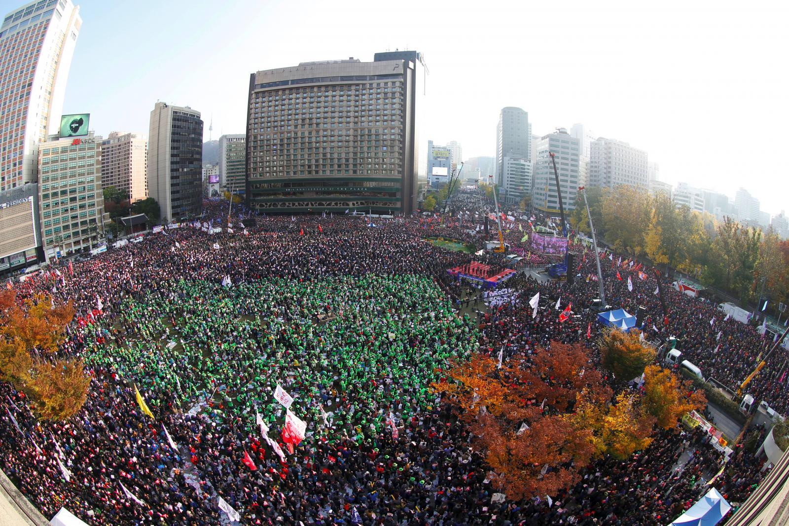 ชาวเกาหลีใต้จัดชุมนุมใหญ่ ขับไล่ผู้นำ