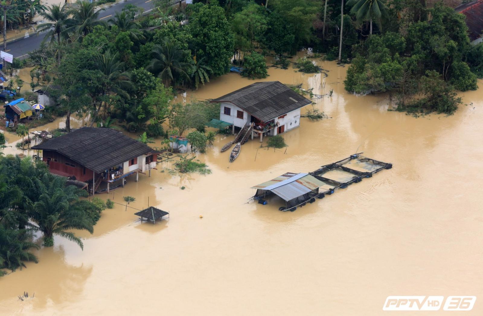 น้ำท่วมสุราษฎร์ฯเริ่มดีขึ้น แต่ยังหวั่นอิทธิพลจากลมมรสุม