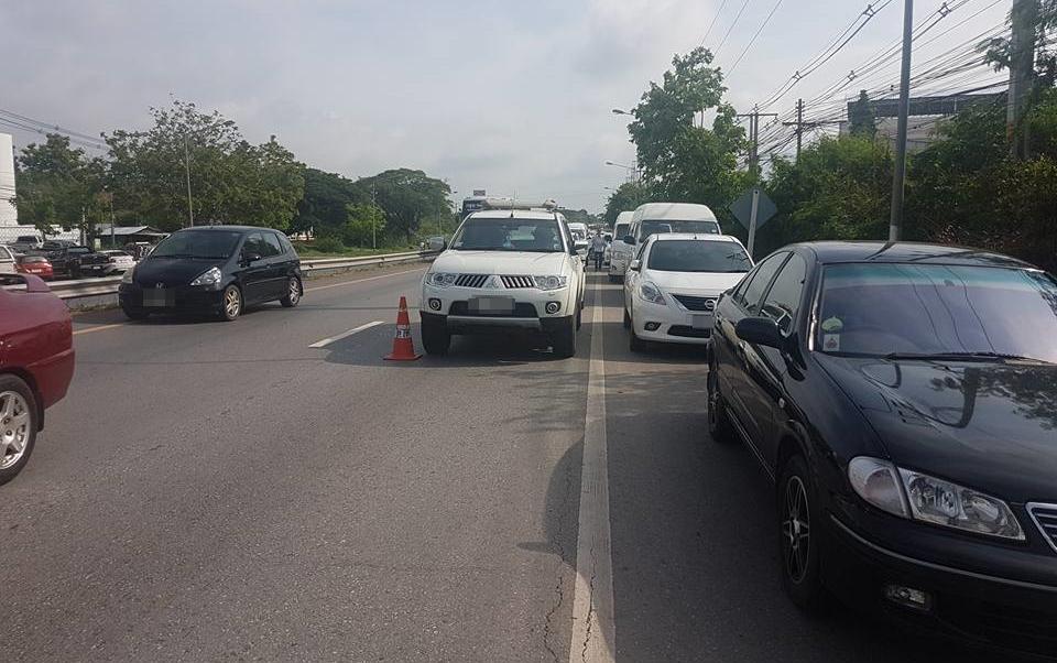 ชาวเน็ตวิจารณ์ คนดังขอนแก่น ปิดถนนแต่งงานทำรถติดนับสิบกิโลฯ