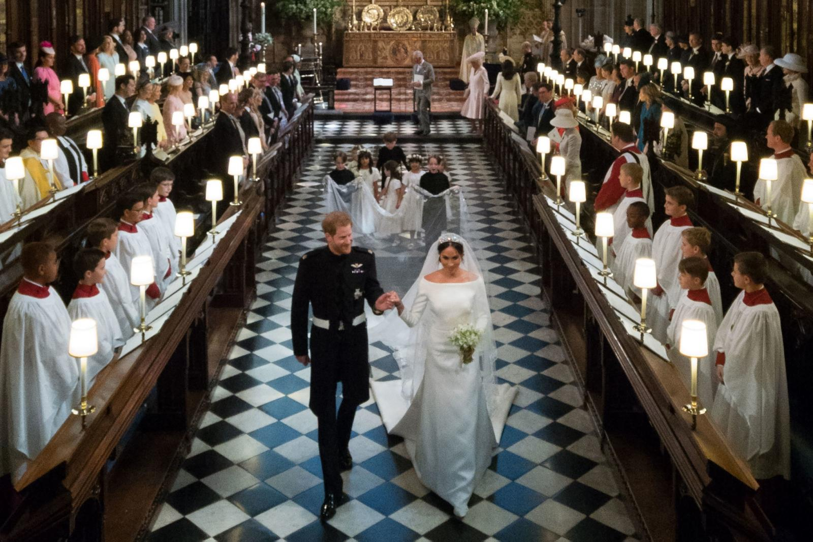 """36 ภาพ พิธีเสกสมรส """"เจ้าชายแฮร์รี่""""กับ""""เมแกน มาร์เคิล"""""""