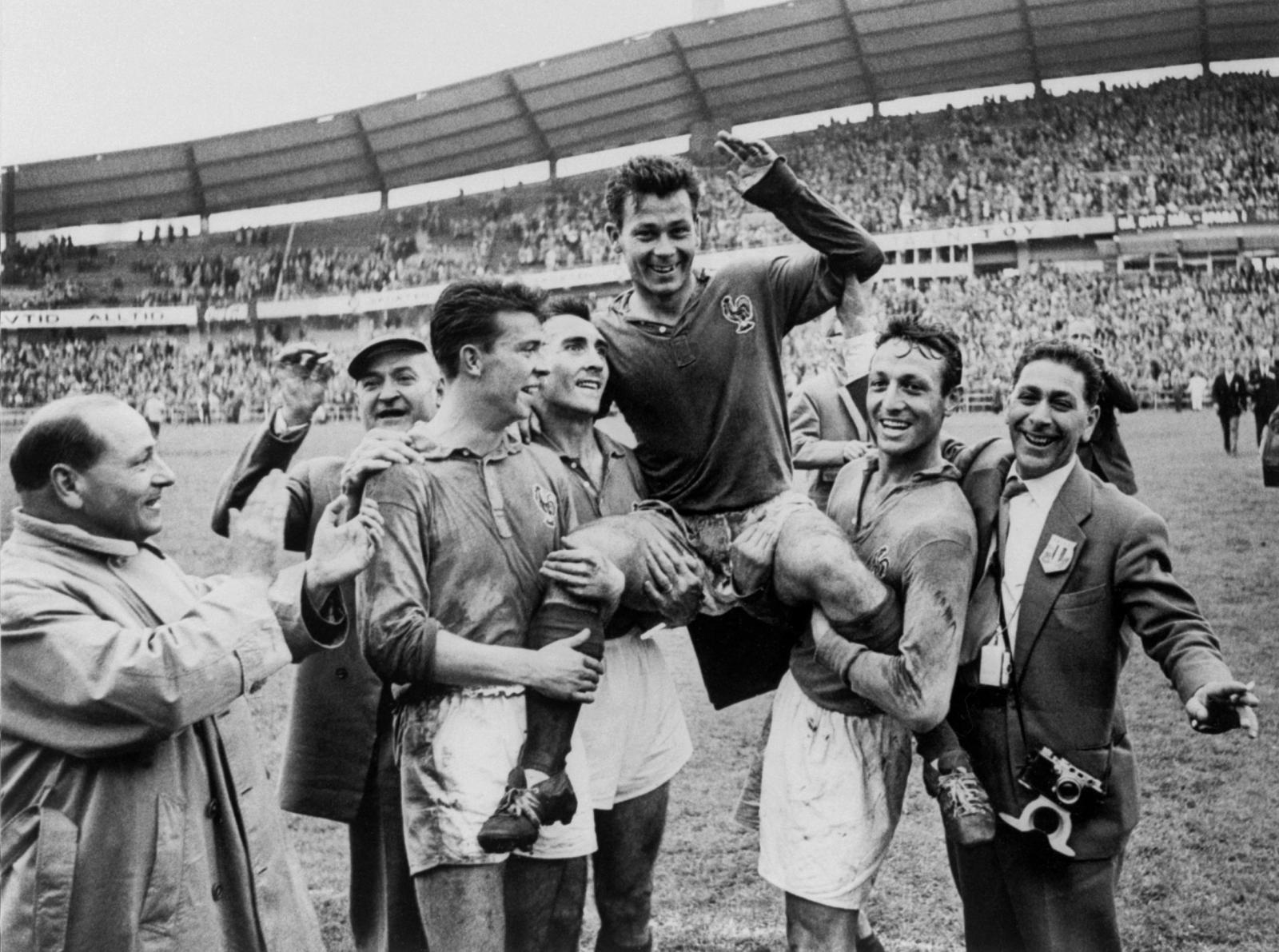 10 อันดับดาวซัลโวฟุตบอลโลกสูงสุดตลอดกาล