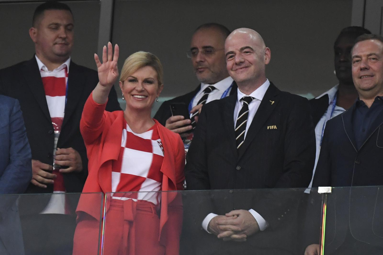 ประธานาธิบดีหญิงโครเอเชีย สวย-เก่ง-ติดดิน ทั่วโลกแห่ชื่นชม