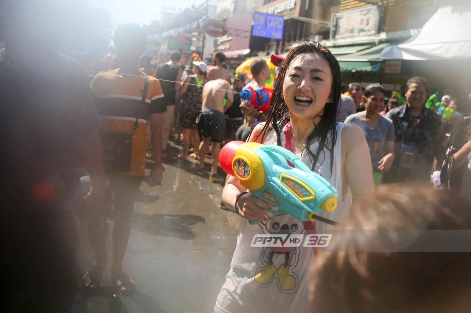 สงกรานต์ถนนข้าวสารวันแรก ชาวไทย-ต่างชาติเล่นน้ำคึกคัก
