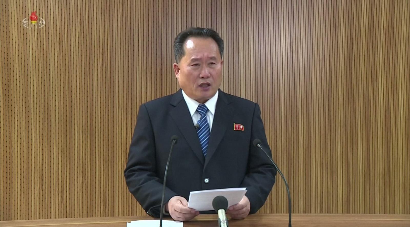"""""""คิม จอง-อึน"""" สั่งเปิดสายด่วนคุยเกาหลีใต้"""