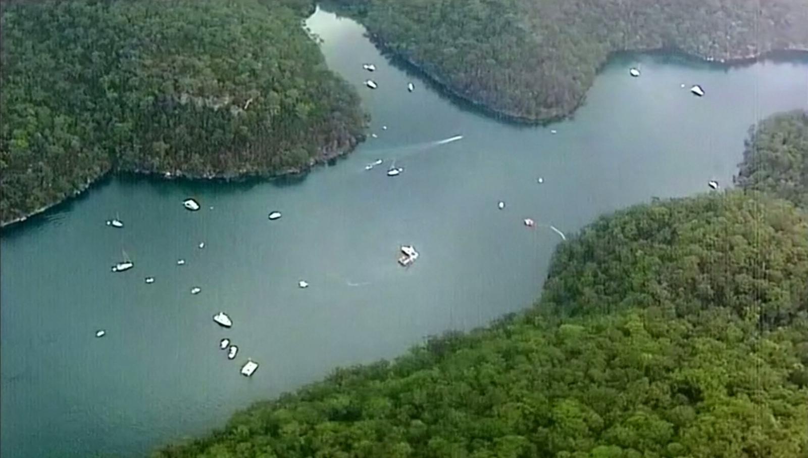 ออสเตรเลียกู้ซากเครื่องบินเล็กตกแม่น้ำในซิดนีย์