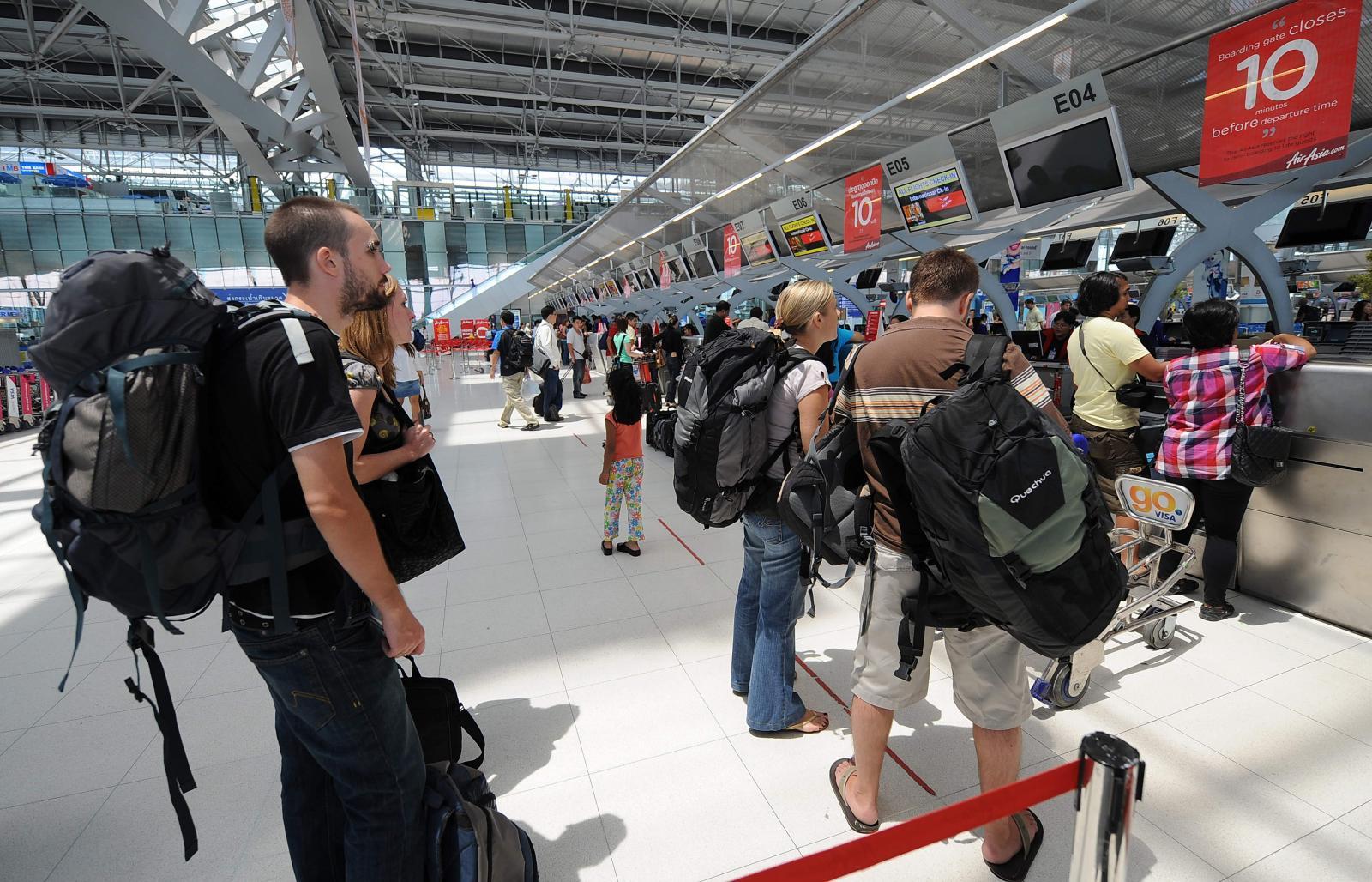 พนง.เอกซเรย์กระเป๋าสนามบินสุวรรณภูมิหยุดงาน เหตุไม่พอใจเงินเดือน