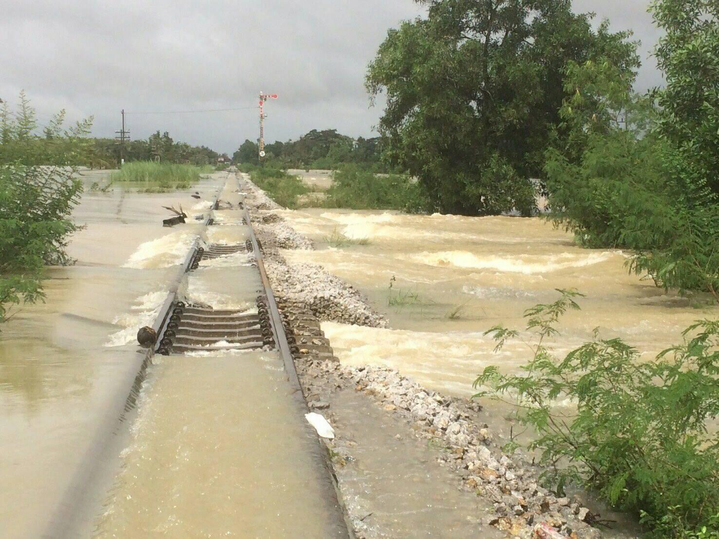 การรถไฟฯ แจงปรับเส้นทางรถไฟสายใต้ หลังเกิดน้ำท่วมหนัก