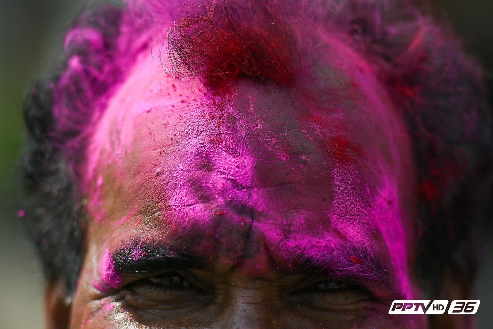 """""""เทศกาลโฮลี"""" สีสันของการสาดสี ณ วัดวิษณุ"""