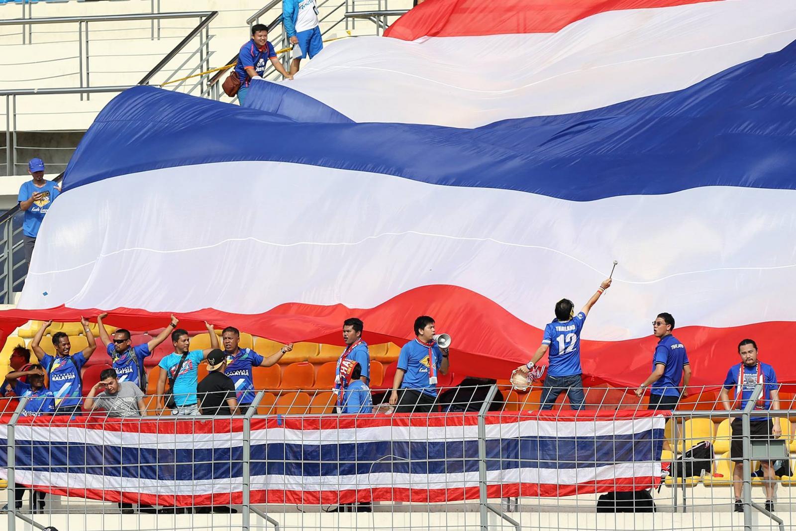 """""""ช้างศึก"""" อัด """"ฟิลิปปินส์"""" 2-0 รอวัด """"เวียดนาม"""" ลุ้นเข้ารอบ"""
