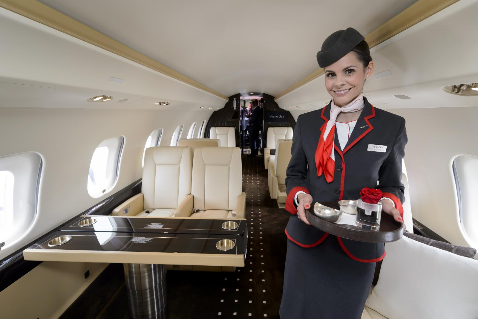 """เปิดรายได้อาชีพในฝัน """"สจ๊วต – แอร์โฮสเตส"""" 17 สายการบิน งานหนักแต่รายได้ดี"""