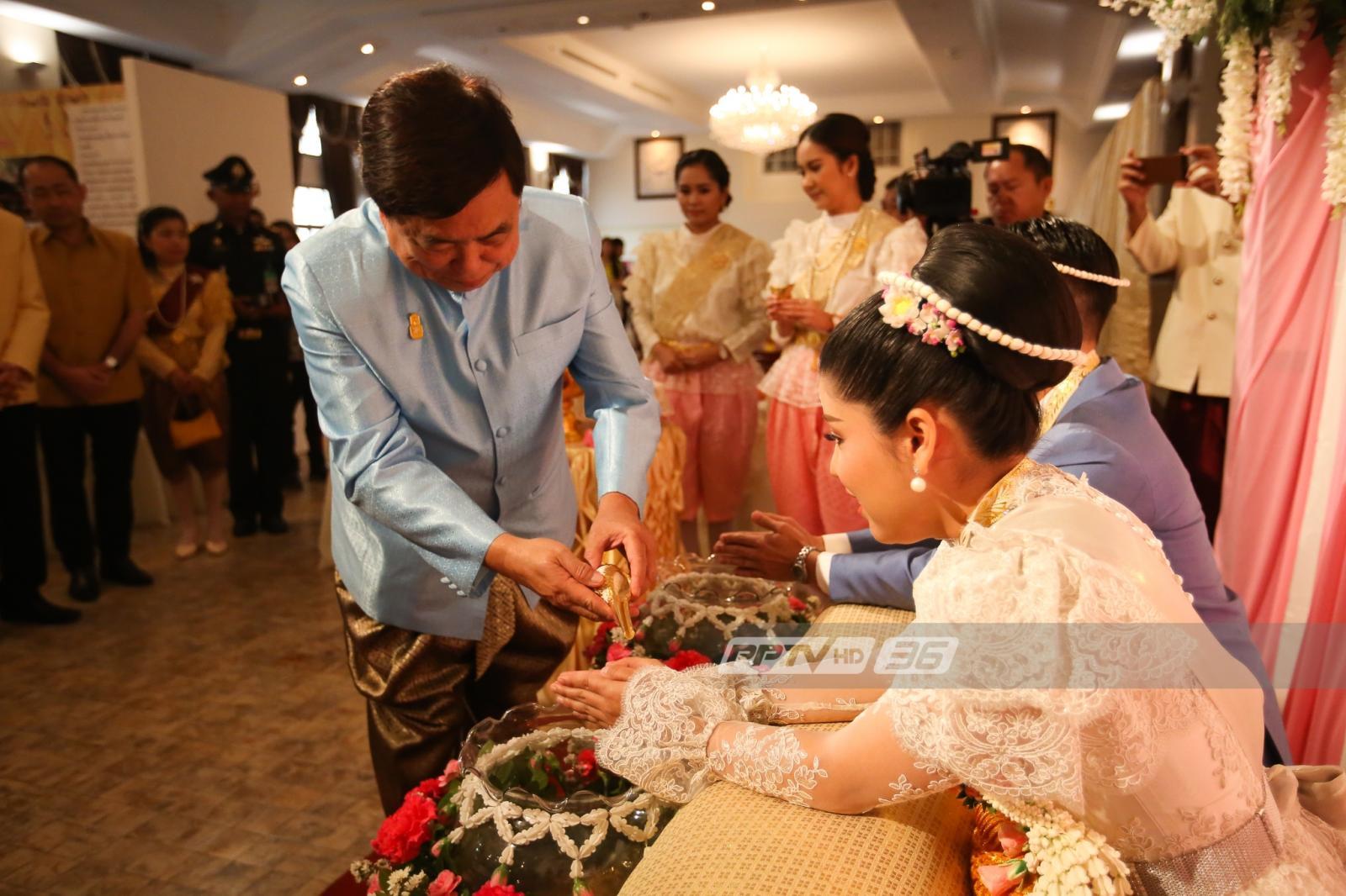 หวานท่วมเขตบางรัก 300 คู่รักจดทะเบียนสมรส