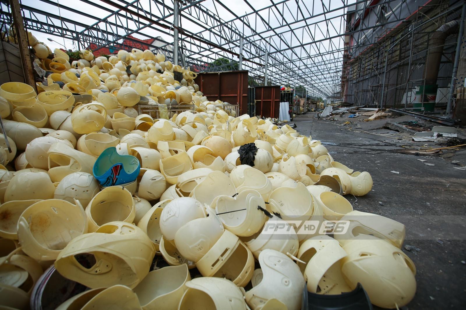 เสี่ยงถล่ม! ห้ามเข้า 45 วัน อาคารโรงงานหมวกกันน็อกย่านท่าข้าม