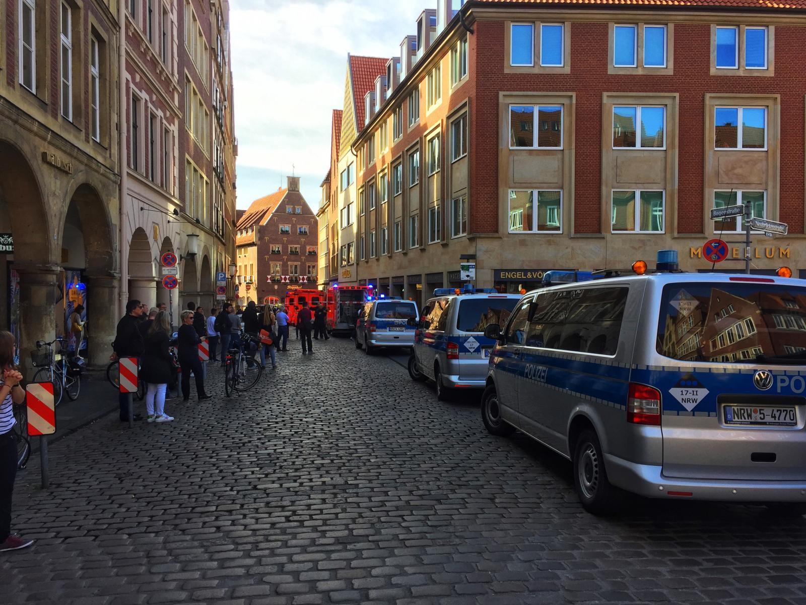 รถตู้พุ่งชนคนในเยอรมนี ตาย 2 เจ็บ 20