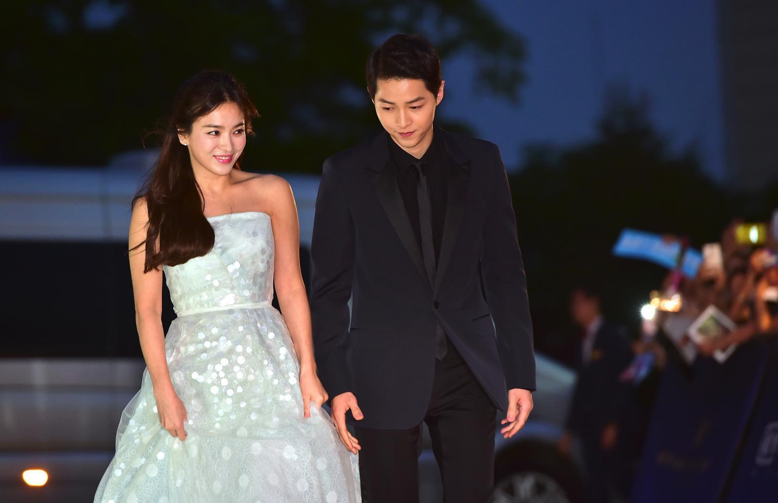 """รักแท้ """"กัปตันยู-หมอคัง"""" ประกาศแต่งงาน 31 ต.ค.นี้"""
