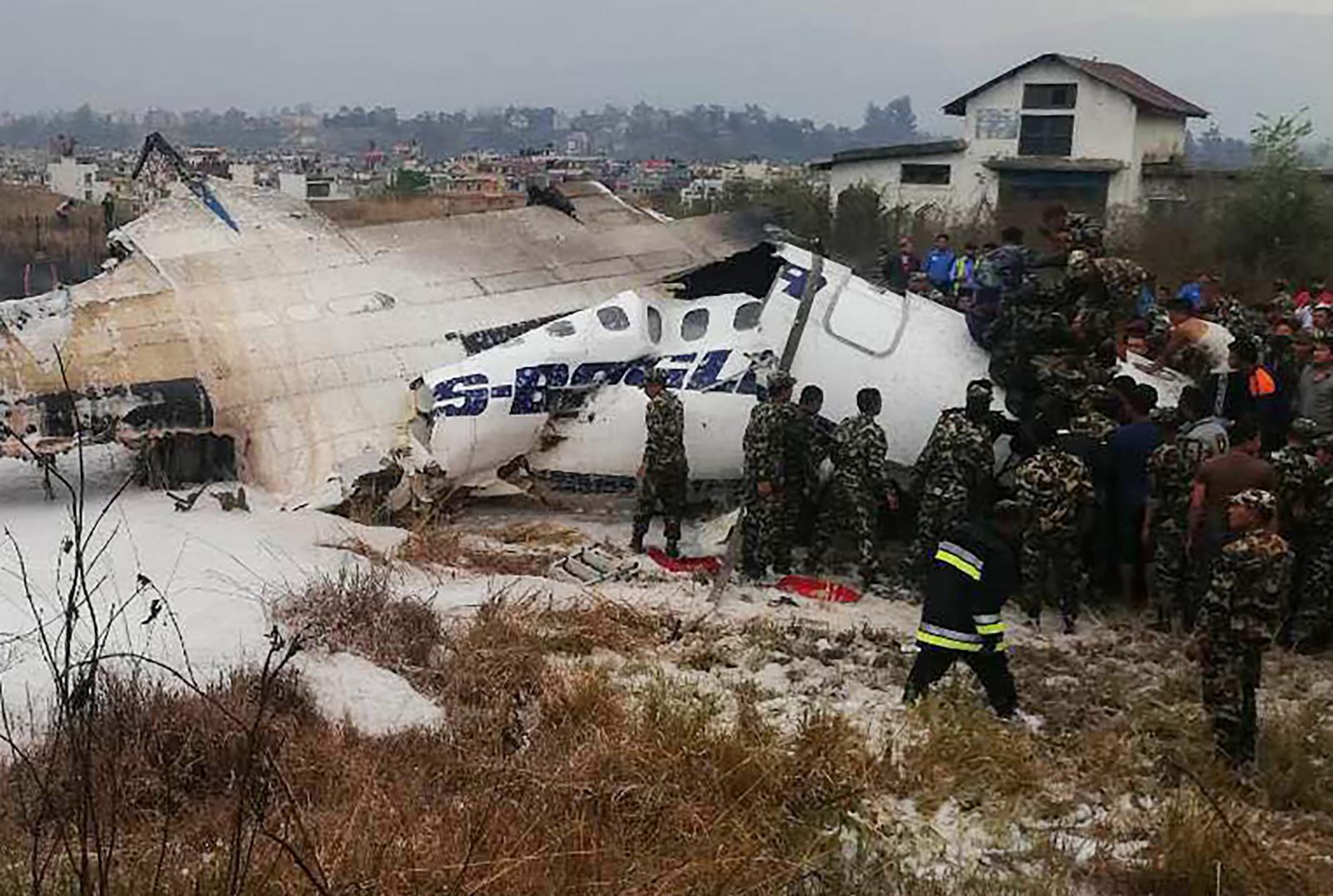 เครื่องบินตกขณะร่อนลงจอดที่สนามบินเนปาล