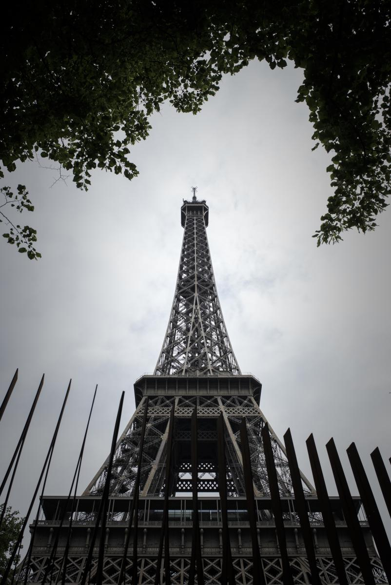 ฝรั่งเศสสร้างรั้วรอบหอไอเฟลสกัดก่อการร้าย