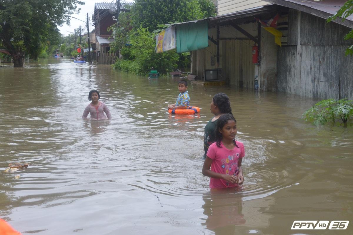 น้ำท่วมพัทลุงยังไม่คลี่คลาย ปิดเรียนเหตุเดินทางลำบาก