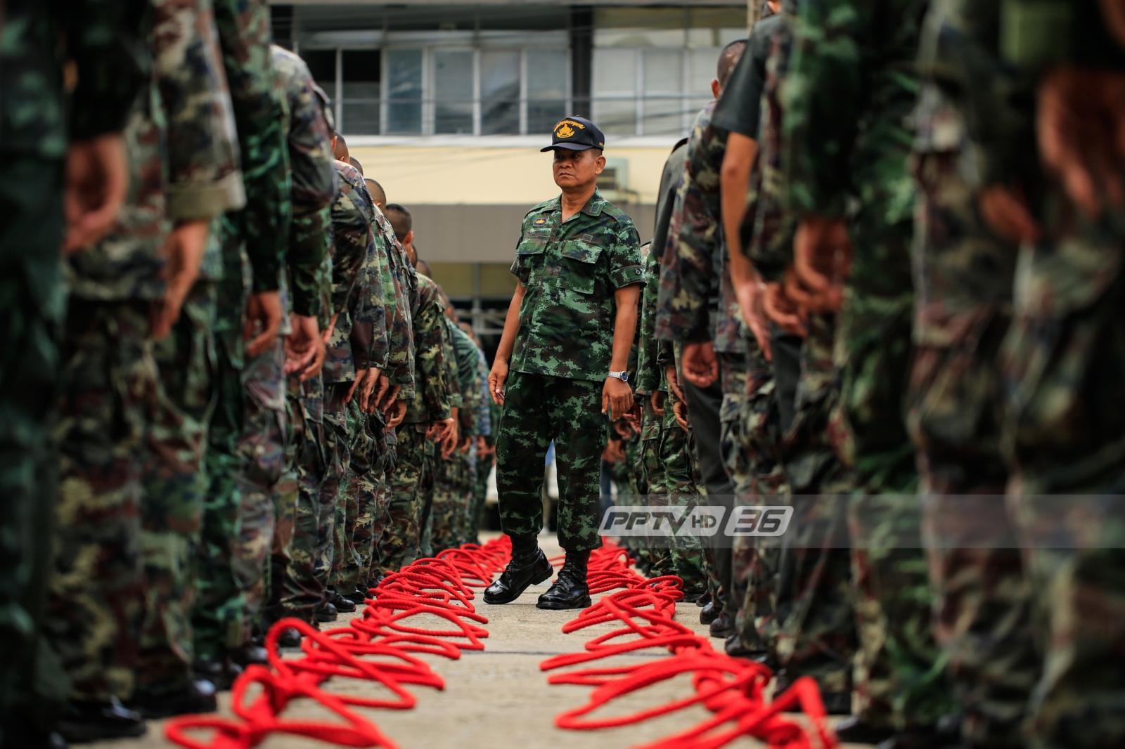 กรมสรรพาวุธทหารบกฝึกซ้อมพลฉุดชักราชรถ 300 นาย