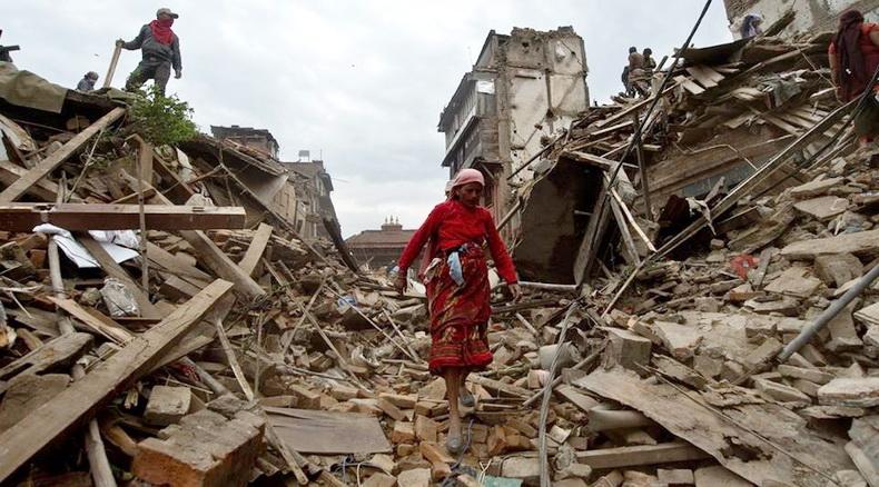 ผู้เสียชีวิตแผ่นดินไหวเนปาลพุ่ง 5,238  บาดเจ็บเกือบ 20,000-UN คาดบ้านเรือนเสียหายถาวร 7 หมื่นหลัง