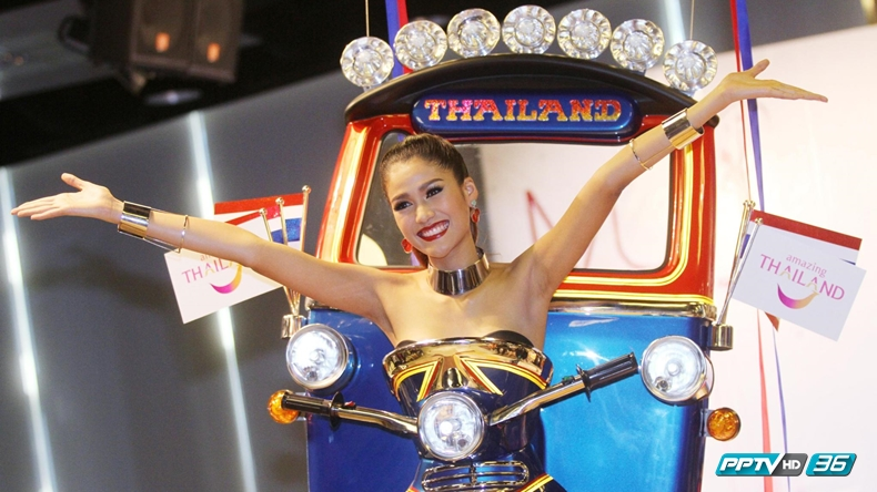 """""""ตุ๊กตุ๊กไทยแลนด์"""" คว้ารางวัลชุดประจำชาติยอดเยี่ยม-น้องแนทตกรอบ 5 คนสุดท้าย MU2015"""