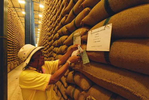 ก.พาณิชย์ เตรียมระบายข้าว 1 ล้านตัน เร่งลดปริมาณตามเป้า