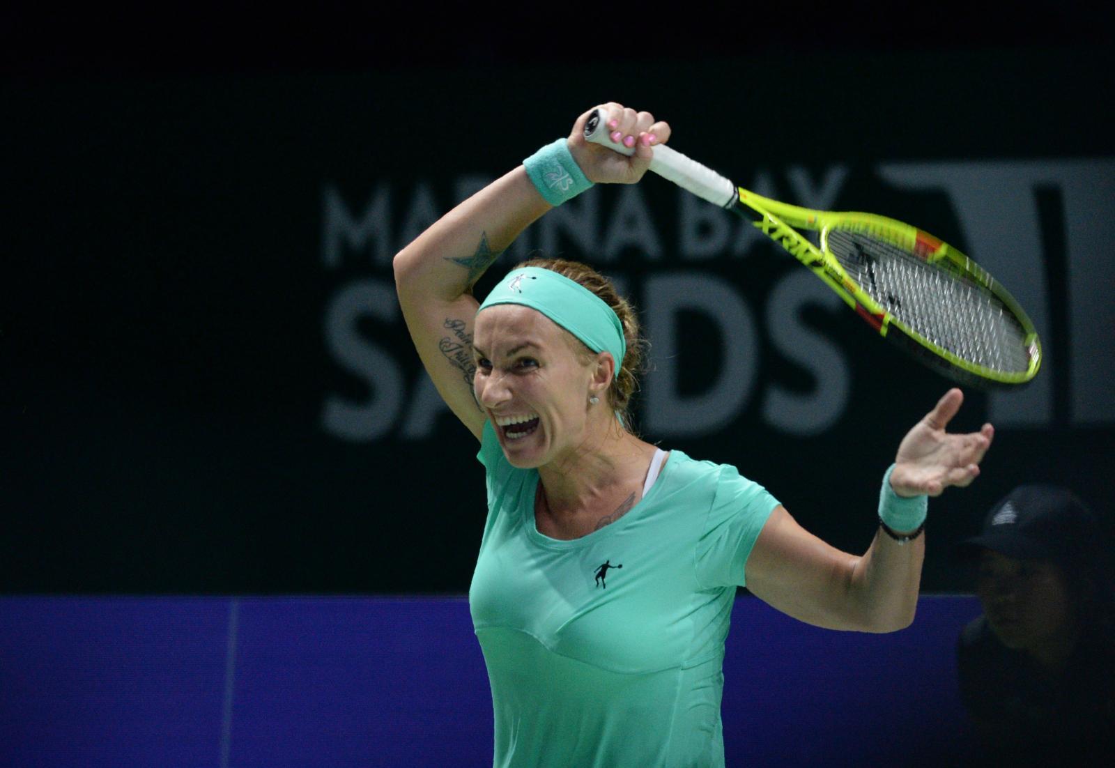 """""""คุซเน็ตโซวา"""" หั่นผม ก่อนเชือด """"รัดวานสก้า"""" WTA Finals"""