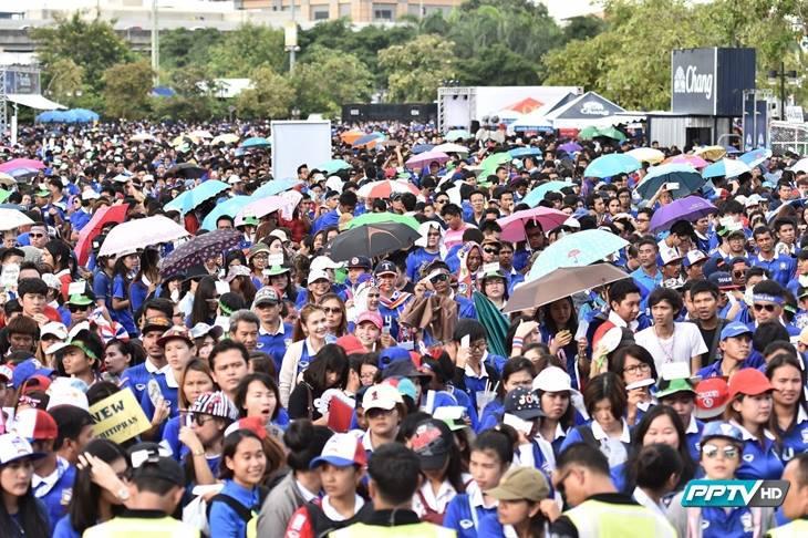 เสียงเฮลั่นสนาม! ประมวลภาพความประทับใจหลังฟุตบอลทีมชาติไทยพลิกชนะไต้หวัน 4-2