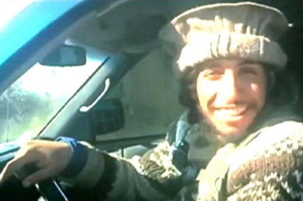 """ด่วน! ตร.ปารีสยัน """"อับเดลฮามิด อาบาอูด"""" ผู้ต้องสงสัยบงการโจมตีปารีสเสียชีวิตแล้ว"""