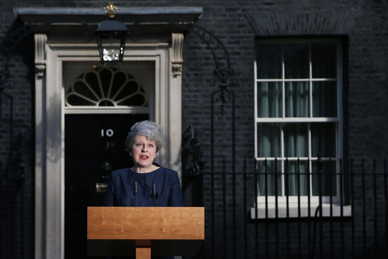 อังกฤษยุบสภาเพื่อเลือกตั้งใหม่ พลิกวิกฤตเป็นโอกาส ?