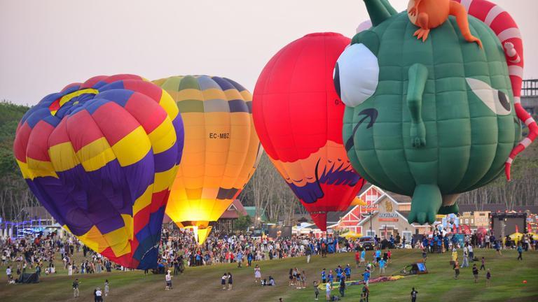 เปิดยิ่งใหญ่! เทศกาลบอลลูนนานาชาติ นักท่องเที่ยวเรือนหมื่นร่วมสัมผัสความอลังการ