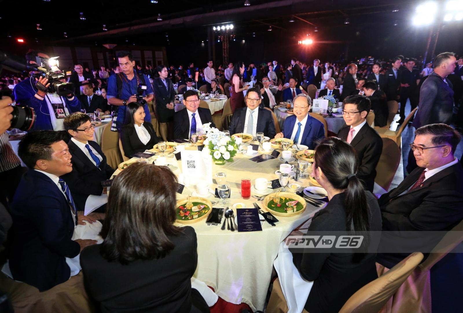 """""""พลังประชารัฐ""""รอดยุบพรรค ไม่พบต่างชาติบริจาคเงินโต๊ะจีน"""