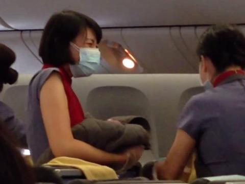 มะกันเนรเทศแม่ชาวไต้หวันจงใจคลอดลูกบนเครื่องบินหวังได้สัญชาติอเมริกัน