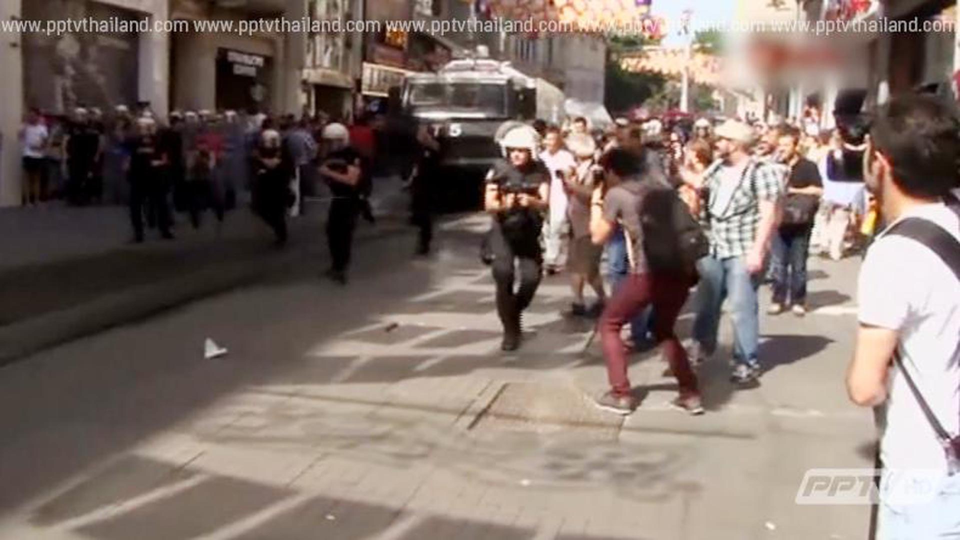 ตำรวจตุรกีสลายการชุมนุมพาเหรดรักร่วมเพศ