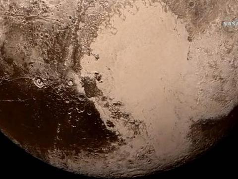 """นาซาเผยภาพชุดใหม่ดาวพลูโต พบธารน้ำแข็งเกิดจาก """"ไนโตรเจน"""" (คลิป)"""