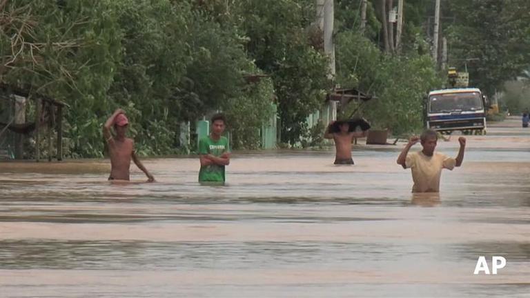 ฟิลิปปินส์อ่วม! หลังพายุคปปุพัดถล่ม เสียชีวิตแล้ว 22 ราย