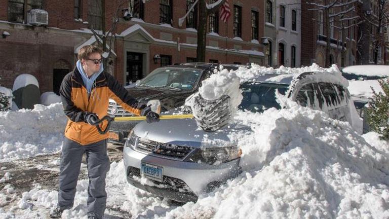 สหรัฐฯเริ่มทำความสะอาด หลังพายุหิมะเบาบางลง