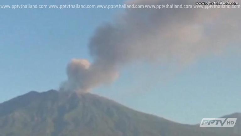 อินโดนีเซียปิดสนามบิน 5 แห่ง หลังภูเขาไฟปะทุ