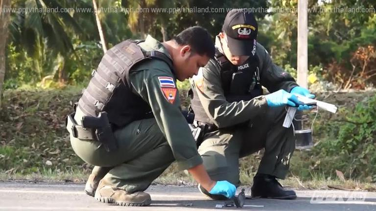 คนร้ายลอบบึ้มตำรวจ-ยิงถล่มทหารใต้