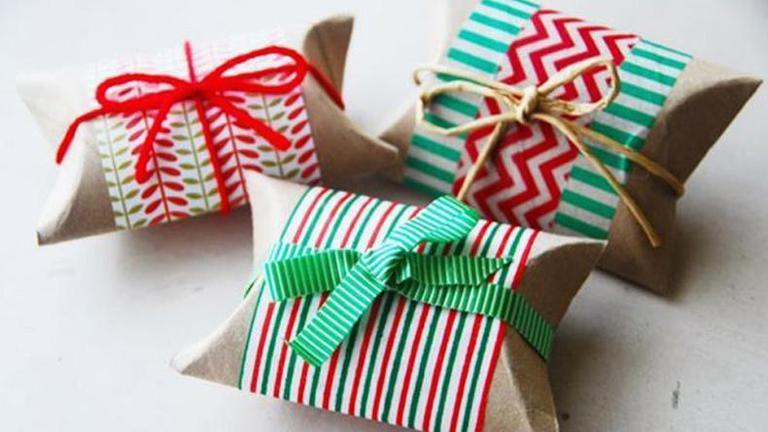 แสนเก๋! จากแกนทิชชู่เป็นที่ใส่ของขวัญชิ้นเล็กๆสุดน่ารัก