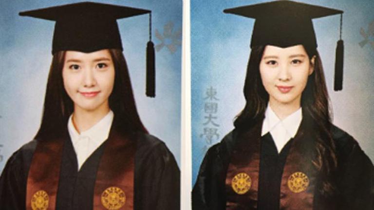 """สวยเป๊ะทุกมุม! เผยภาพ """"ยุนอา"""" - """"ซอฮยอน"""" จากอัลบั้มจบการศึกษา"""